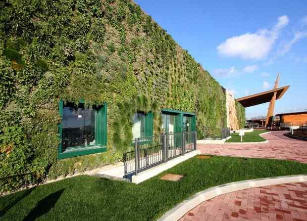 Il giardino verticale piu 39 grande del mondo e 39 italiano - Giardino verticale madrid ...
