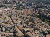 Immobili: Per il mercato immobiliare prezzi in discesa del 7-9% - � la previsione per fine 2012 dell'ufficio studi di Tecnocasa: le compravendite residenziali potrebbero scendere a quota 500mila
