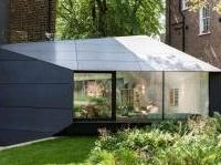 News: Le potenzialita' della tecno-superficie nell'intervento di Alison Brooks - Un progetto di estensione nascosto dietro un edificio britannico del 1860, realizzato grazie a materiali di grande modernita'
