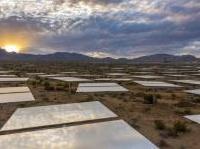 impianti: La piu' grande centrale solare al mondo e' in funzione in Nevada -   La struttura e' costata 2,2 miliardi di dollari. I suoi 173.500 pannelli solari arrivano a produrre circa 400 megawatt di energia elettrica