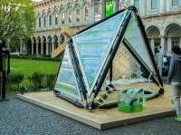 News: Urban Algae Canopy, nelle citta' del futuro si coltiveranno microalghe  - La struttura in legno e metallo integra in un unico sistema architettonico la coltura di biomasse e la produzione di ossigeno. Il primo prototipo e' stato presentato alla Statale di Milano durante il Salone del Mobile