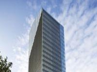 strutture: Un involucro di vetro per Torre Diamante -   La case history dedicata alla superficie vetrata che riveste il grattacielo, tra le realizzazioni piu' caratteristiche dell'area di Porta Nuova a Milano