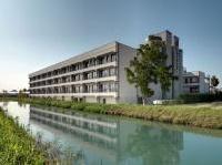 News: Capannoni abbandonati riqualificati, il caso de Le Terrazze - In disuso dal 1989, la struttura in provincia di Treviso e' diventata una 'piccola citta'', grazie al progetto di Marco Piva