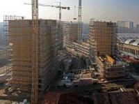 varie: I permessi di costruire calano di un terzo -   Secondo i dati diffusi dall'Istat, nella seconda parte del 2013 i permessi per i nuovi fabbricati residenziali presentano una contrazione del 32,1%, l'edilizia non residenziale scende del 28,9%