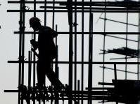 News: Istat, la produzione nelle costruzioni scende del 2,4% a luglio 2014 - Ancora un calo per l'indice della produzione edilizia. E nei primi sette mesi dell'anno il decremento e' del 6,6% rispetto al 2013