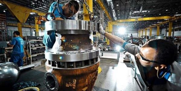 Istat, il fatturato dell'industria e' ancora in calo: A luglio perso l'1,4% sul mercato estero e lo 0,9% sul mercato interno.