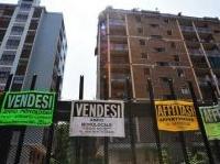 immobili: Compravendite immobiliari, l'Agenzia delle Entrate certifica il nuovo calo -   Tra aprile e giugno 2014 perso il 3,6% per il mercato immobiliare nazionale. Uniche eccezioni: gli immobili industriali e le case nelle grandi citta'