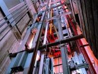 sicurezza: Sistema di ascensori in un edificio: verso la norma Uni  -   Il progetto di norma Uni sull'integrazione di un sistema di ascensori al servizio di un edificio e' in inchiesta pubblica finale