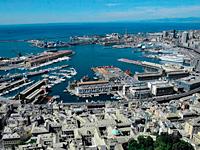 News: Renzo Piano rif� il look al porto antico di Genova - Una trasformazione attende nei prossimi mesi l'area del Porto Antico, che accoglie 3 milioni e 800 mila visitatori all'anno. Nuove strutture d'accoglienza per le scolaresche, l'ampliamento dell'Acquario e spazi dedicati alla ricerca sulla portualit�.