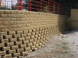 edilizia: Terrapieni e muri di sostegno: quando e' applicabile il regime delle distanze? -   E' la norma nazionale, e non quella locale, che qualificando un'opera come