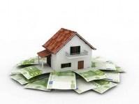 Immobili: Immobili: valori in calo ma le compravendite non ripartono - Nonostante i prezzi in discesa, nel primo trimestre 2011 le compravendite sono state circa 300.000, in calo del 3,6% rispetto allo stesso periodo del 2010