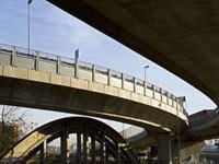 News: Infrastrutture: accordo quadro BEI-Ministero per 15 Mld di Euro - Firmato ieri 8 ottobre, a Lussemburgo, dal Ministro delle Infrastrutture e dei Trasporti, Altero Matteoli, un importante accordo-quadro con la BEI, che prevede il finanziamento di alcune opere del Piano Decennale delle Infrastrutture strategiche.
